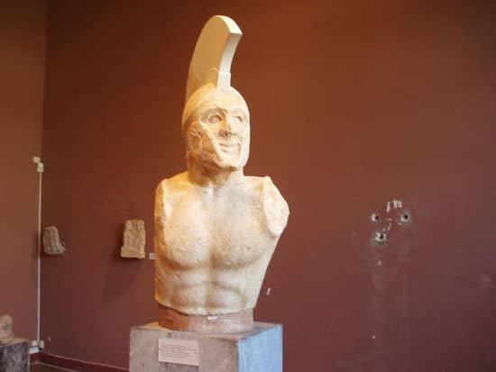 Bust of Lenidas.